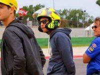 Waduh, Ternyata Rossi Pakai Helm AGV 'Palsu'