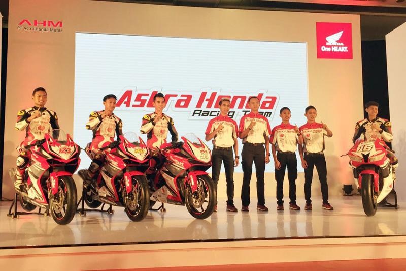 Barisan pembalap Astra Honda Racing Team