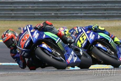 Vinales Duel dengan Rossi - Crash.net
